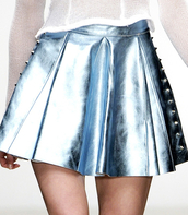 skirt,jupe courte,couleurs argent,pull fin,jupe,metal,clous,argent,pullover,plissé,girly,brillant,jupe taille haute,robe,clouté,metallic,studs,metallic pleated skirt