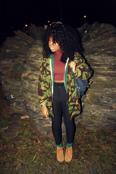 shoes bag vintage old school green socks brown shoes black leggings black leggings camouflage camouflage camo jacket vintage camouflage jacket crop tops top t-shirt t-shirt pants jacket clothes clothes shirt