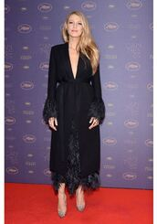 coat,dress,feathers,blake lively,pumps,red carpet,cannes,shoes