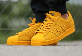 shoes mustard black jeans adidas adidas shoes adidas superstars adidas originals yellow black