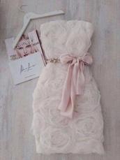 dress,white,pink,nude,beige,flowers,lace dress,belt