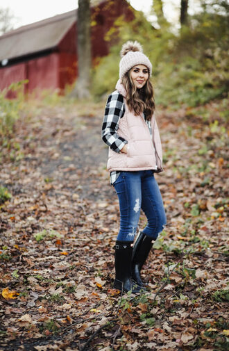 dress corilynn blogger jacket shirt hat jeans shoes vest beanie fall outfits wellies plaid shirt winter outfits