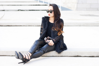 it's not her it's me blogger jacket top bag jewels sunglasses black fur vest fur vest black vest lace top black lace top pants black pants black leather pants