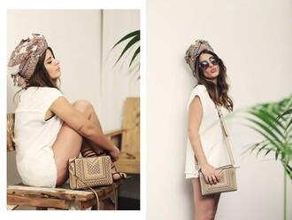 dulceida blogger sweater printed scarf round sunglasses white blouse shoulder bag
