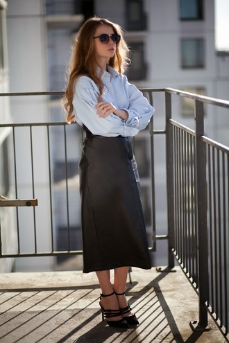 acid coke blogger oversized shirt high waisted skirt leather skirt black heels