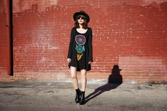 a fashion nerd blogger dreamcatcher black dress dress shoes jewels