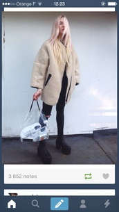coat,shoes,black,fuzzy coat,winter outfits,black jeans,winter coat,hairstyles,pastel hair,beige fluffy coat,camel oversized coat,fluffy,fashion,model,streetwear,cool,jacket,shearling jacket,streetstyle,minimalist,style,oversized,wool,tumblr outfit