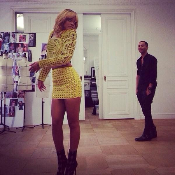 skirt yellow rihanna