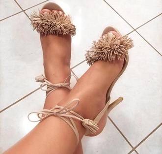 shoes heels fur nude high heels nude brown clothes style fashion beige fluffy fringes tan
