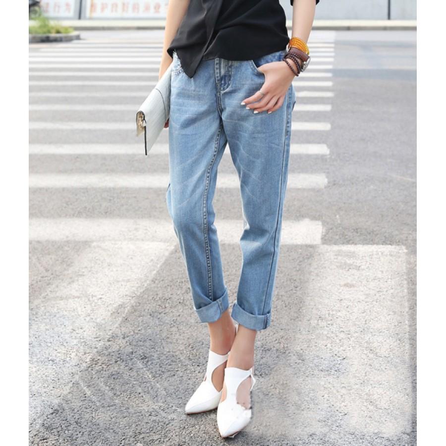 light blue denim straight leg mom fit jeans. Black Bedroom Furniture Sets. Home Design Ideas