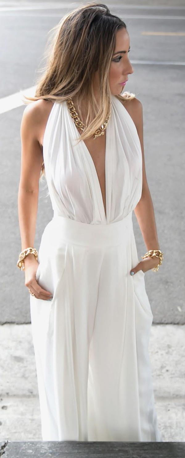 jumpsuit white jumpsuit backless white backless white backless jumpsuit white jumpsuit blond hair blonde hair tanned girl gold gold necklace gold bracelet gold bracelet necklace deep cut deep cut back ring brunette plunge v neck cleavage cleavage dress cleavage jumpsuit see through backless maxi maxi dress vintage jumpsuit