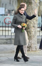 coat,grey,grey coat,kate middleton,boots,fall coat,fall outfits,shoes