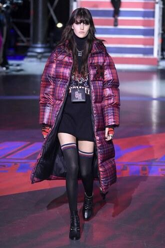 jacket coat oversized tommy hilfiger runway model london fashion week 2017 oversized jacket