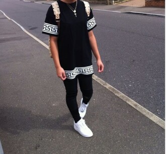 shirt t-shirt black t-shirt baddies bad bitches link up black girls killin it black and white shoes