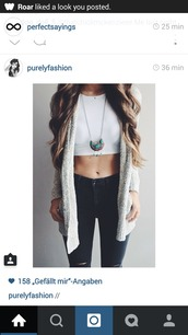 cardigan,oversized cardigan,cuddly cardigan,grey cardigan,black skinny jeans,necklace,jeans,top,jewels,long necklace,cute,pretty,beautiful,fashion,skinny jeans,jewelry,fashion jewellery