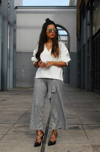 style by nelli blogger pants sweater shoes