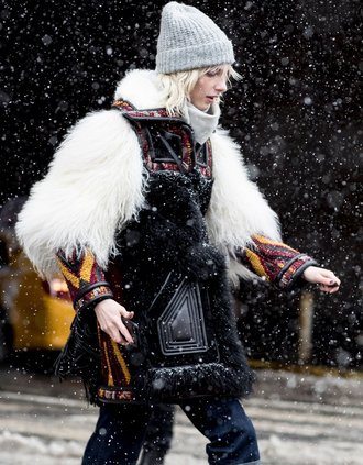 coat tumblr nyfw 2017 fashion week 2017 fashion week streetstyle big fur coat fur coat faux fur coat beanie grey beanie jeans denim winter outfits winter coat winter look