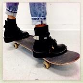 shoes,platform shoes,black,pretty,skateboard,jeans,blue,girl,hipster,punk,socks,sweater