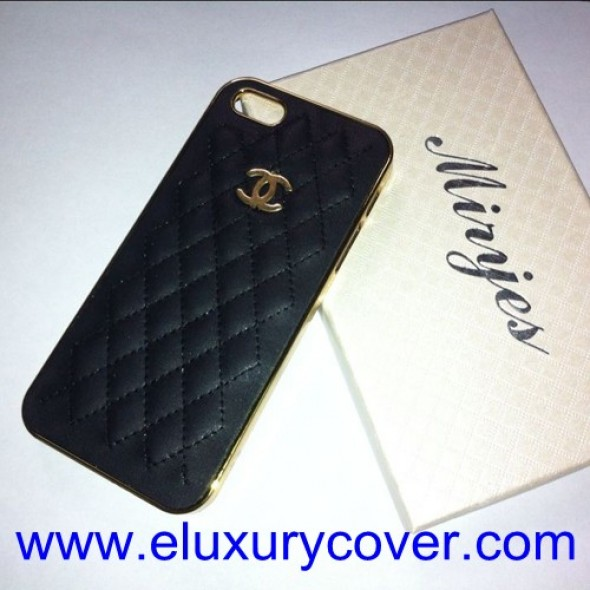 Chanel iPhone 5 / 5S Case Black Sheepskin Back Cover Gold