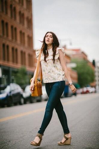 themiddlecloset blogger blouse jeans shoes bag jewels orange bag skinny jeans wedges sandals summer outfits
