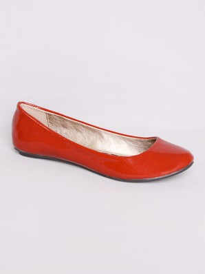 Qupid Thesis    Patent Slip on Flat  B    SL GS    Amazon price     Clarks Women s Spye Belle Bootie