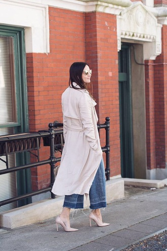 coat duster coat nude coat blue jeans cropped jeans shoes trench coat jeans denim pumps high heels heels