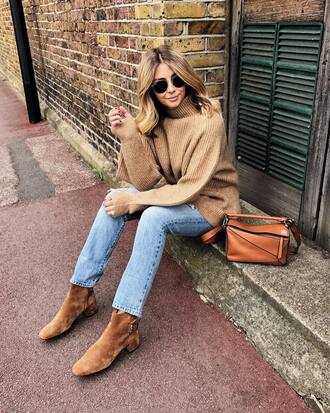 sweater tumblr nude sweater knitwear knit denim jeans blue jeans boots nude boots ankle boots bag sunglasses