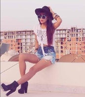 hat,tumblr,girly,summer,cute outfits,shirt,shorts,shoes,sunglasses,accesoires,glasses,high waisted