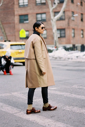 vanessa jackman blogger socks camel coat derbies sunglasses boyish