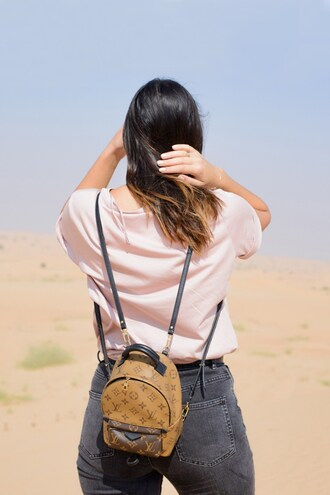 bag tumblr backpack mini backpack louis vuitton louis vuitton backpack denim jeans grey jeans t-shirt white t-shirt ombre