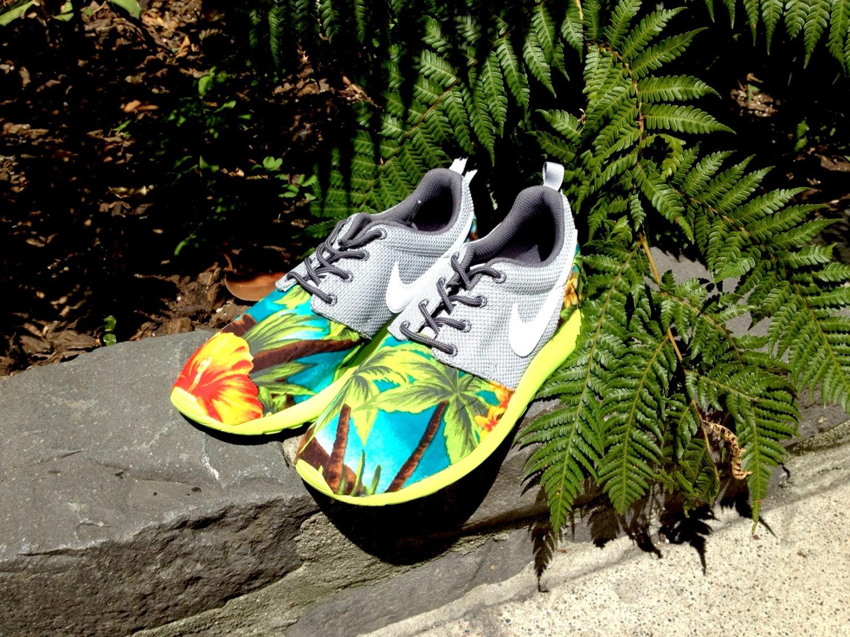 Nike roshe run custom palm trees and hibiscus roshe ( fast shipping )