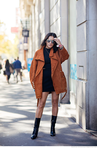 carolines mode blogger oversized fall jacket suede jacket patent shoes black boots