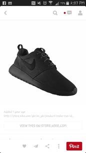 shoes,triple black roshe