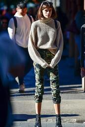 sweater,turtleneck,turtleneck sweater,pants,camouflage,camo pants,kaia gerber,model off-duty,streetstyle,fall outfits