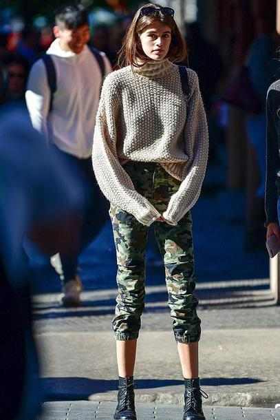sweater turtleneck turtleneck sweater pants camouflage camo pants kaia gerber model off-duty streetstyle fall outfits