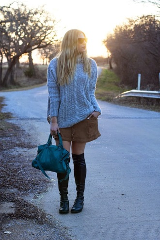 devon rachel blogger knitted sweater black boots handbag