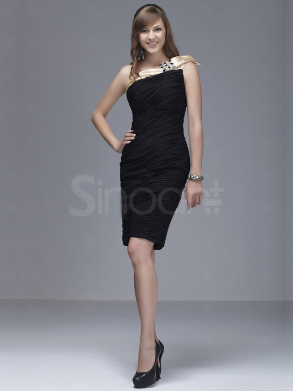 dress classical color-black one-shoulder neckline and natural waistline sleeveless and knee length prom dress made of silk velet