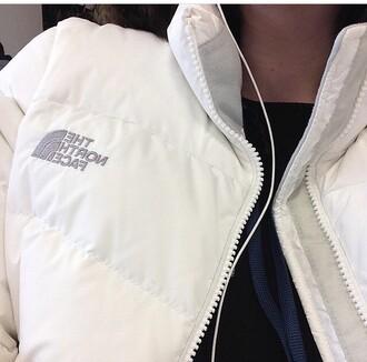jacket white north face white jacket