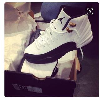 shoes jordans black and white