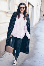 sweater,white hoodie,black checkered coat,black ripped jeans,metallic sneakers,beige handbag,blogger,sunglasses