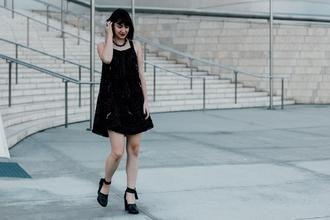 the stylish wanderer blogger black dress dress shoes jewels