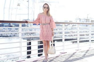 it's not her it's me blogger dress bag jewels sunglasses pink dress spring