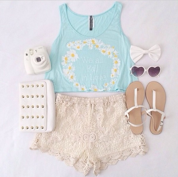 tank top heart light blue flowers daisy cute tumblr lace love more shoes shorts lace shorts creme color blue floral crop top shirt daisy blue tanks sunflower we all fall in love blue shirt flowered shorts blue crop top cream lace shorts white purse white sunglasses polaroid camera white sandals earphones top