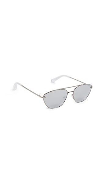 Elizabeth and James sunglasses silver black