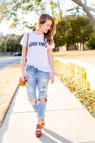 a lonestar state of southern blogger t-shirt jeans bag shoes sunglasses jewels pants