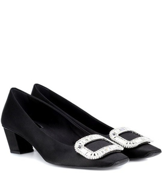 Roger Vivier pumps satin black shoes