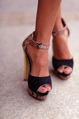 shoes high heels heels snake skin tan black heels peep toe peep toe heels ankle strap black suede sandals gold open toes platform heels open shoes snake print snake amazing elegant
