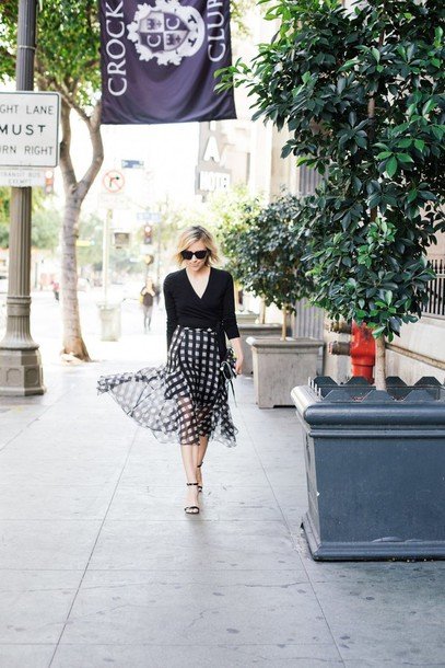 damsel in dior blogger sweater skirt bag shoes