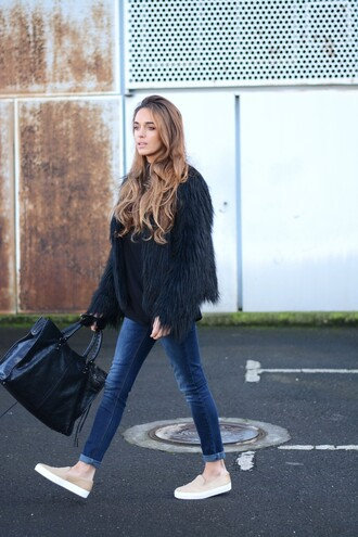 stella wants to die blogger vans faux fur jacket fluffy black bag