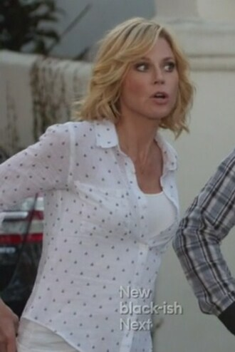 claire dunphy julie bowen modern family polka dots